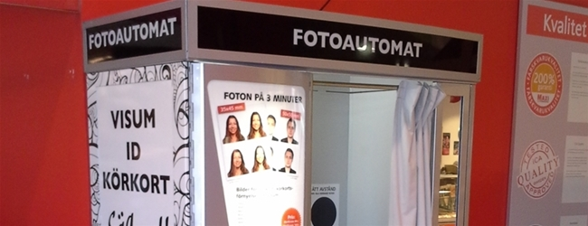 Come to ICA Maxi Eskilstuna and try our new photo booth!